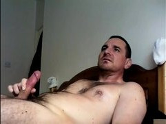 wank on bed while watching an xvideo!