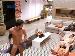 Big Brother Brasil BBB Rafael fica pelado e mostra o Pau, Pinto