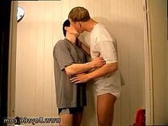 Gay xxx sex teen video Roma Gus Muscle Boys Piss Sex!